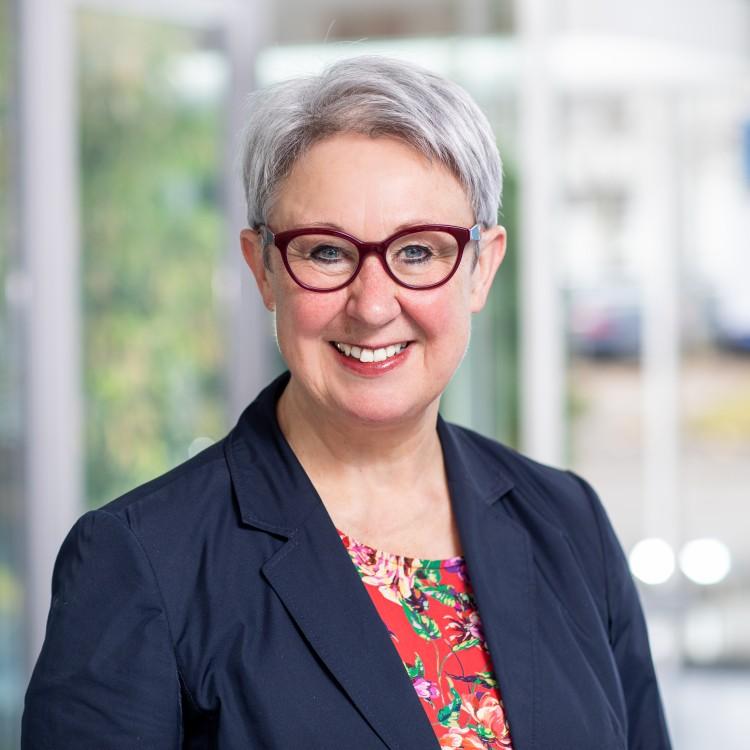 Dr. Johanna Feuchtinger